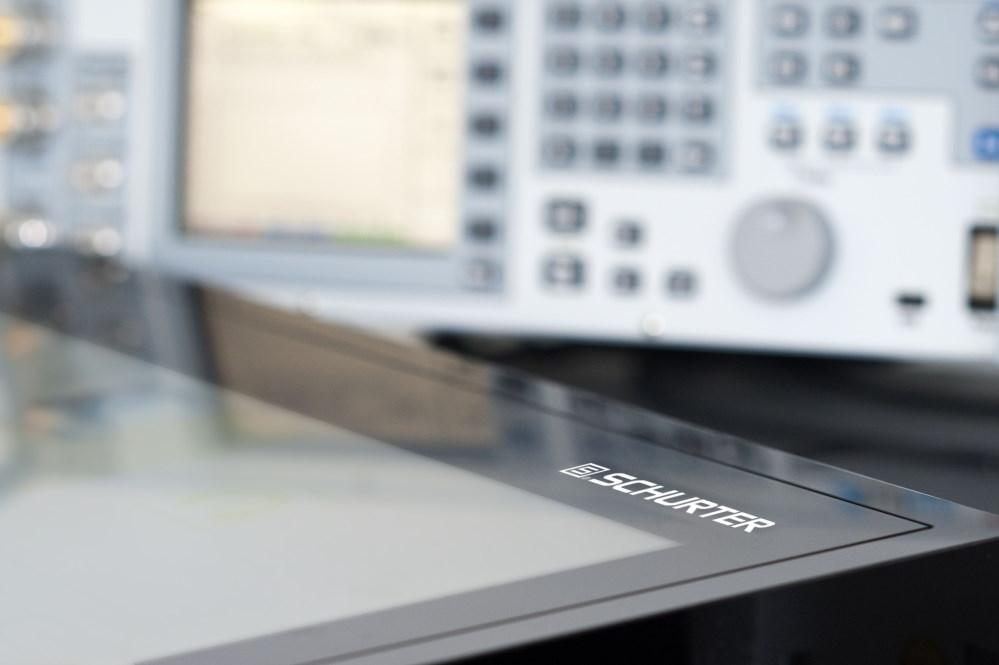 EMV-Prüfaufbau für leitungsgebundene Störfestigkeit für Touchpanels